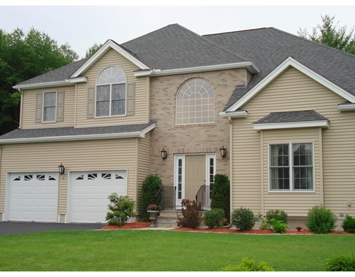 Single Family Home for Sale at 6 Celestial Circle 6 Celestial Circle Milford, Massachusetts 01757 United States