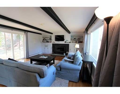 Casa Unifamiliar por un Venta en 74 Palomino Drive 74 Palomino Drive Barnstable, Massachusetts 02630 Estados Unidos