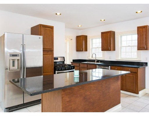 Casa Unifamiliar por un Venta en 106 Fort Hill Street Hingham, Massachusetts 02043 Estados Unidos