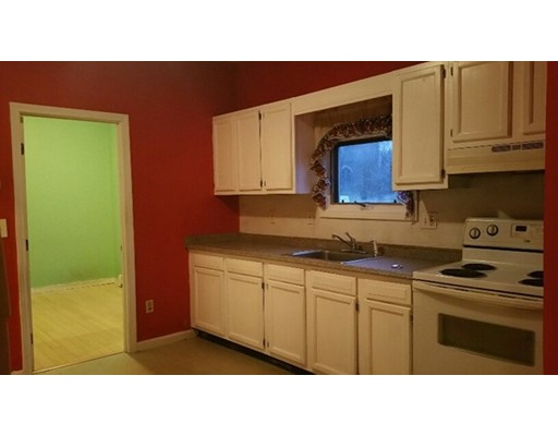 Casa Unifamiliar por un Alquiler en 9 Union Street 9 Union Street Taunton, Massachusetts 02780 Estados Unidos
