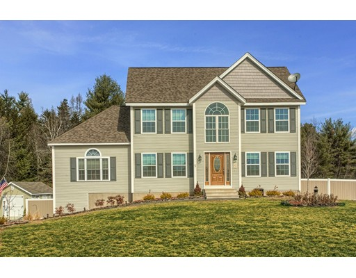 独户住宅 为 销售 在 5 Pinewood Drive 5 Pinewood Drive 温琴登, 马萨诸塞州 01475 美国