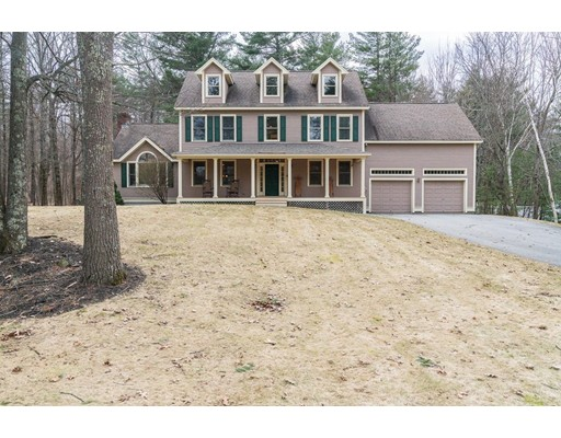 Single Family Home for Sale at 14 Greenfield Drive 14 Greenfield Drive Plaistow, New Hampshire 03865 United States