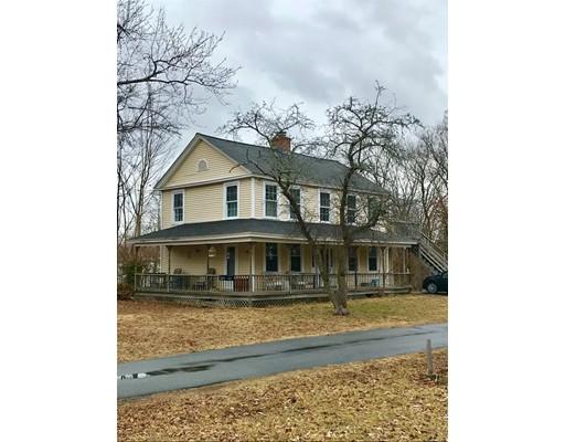 Maison multifamiliale pour l Vente à 10 N Main Street 10 N Main Street Grafton, Massachusetts 01536 États-Unis