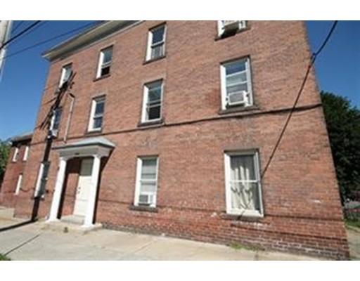 Частный односемейный дом для того Аренда на 12 Chapman Street 12 Chapman Street Chicopee, Массачусетс 01013 Соединенные Штаты