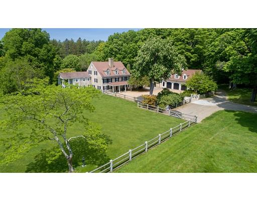 Частный односемейный дом для того Продажа на 1028 Bay Road 1028 Bay Road Hamilton, Массачусетс 01982 Соединенные Штаты