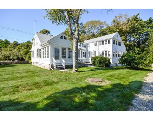 Single Family Home for Sale at 135 Converse Road 135 Converse Road Marion, Massachusetts 02738 United States