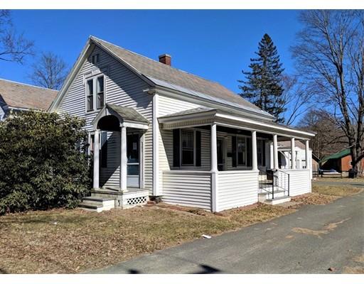 Maison unifamiliale pour l Vente à 389 Montague City Road 389 Montague City Road Montague, Massachusetts 01376 États-Unis