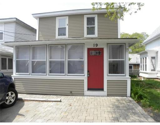 Single Family Home for Rent at 19 Longwood Avenue 19 Longwood Avenue Wareham, Massachusetts 02558 United States