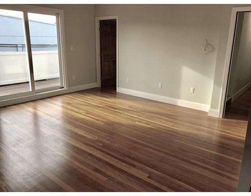 Single Family Home for Rent at 822 Nantasket Avenue 822 Nantasket Avenue Hull, Massachusetts 02045 United States