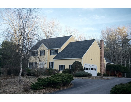 Single Family Home for Sale at 69 Castle Drive 69 Castle Drive Groton, Massachusetts 01450 United States