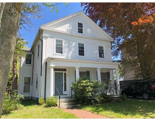 独户住宅 为 销售 在 57 Elm Street 伍斯特, 马萨诸塞州 01609 美国