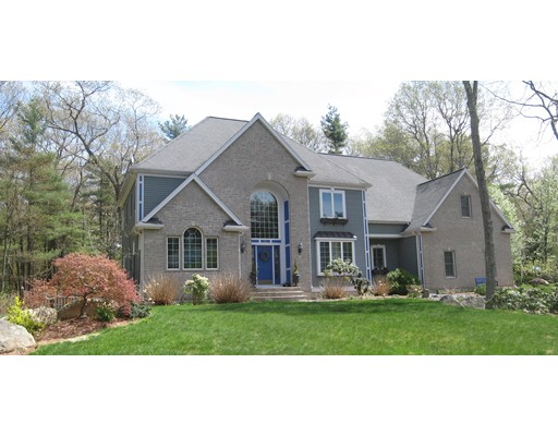Single Family Home for Sale at 22 High Ridge Circle 22 High Ridge Circle Franklin, Massachusetts 02038 United States