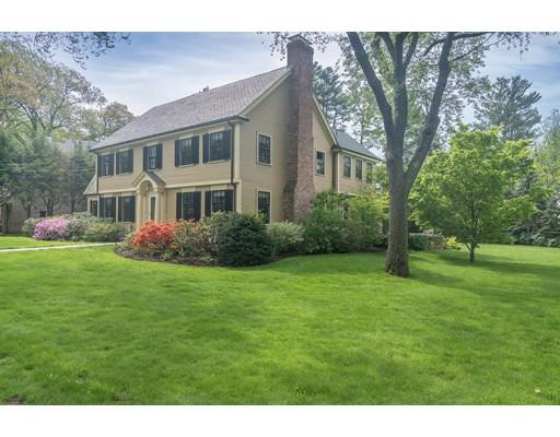 Частный односемейный дом для того Продажа на 17 Glenoe Road 17 Glenoe Road Brookline, Массачусетс 02467 Соединенные Штаты