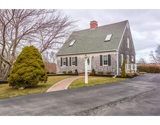Casa Unifamiliar por un Venta en 5 Vineyard Circle 5 Vineyard Circle Bourne, Massachusetts 02562 Estados Unidos