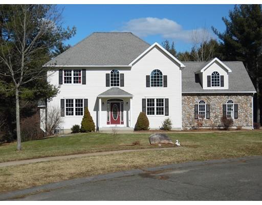 獨棟家庭住宅 為 出售 在 15 Liquori Drive 15 Liquori Drive Southwick, 麻塞諸塞州 01077 美國