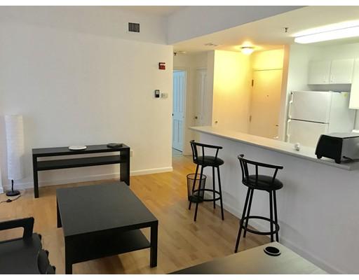 Частный односемейный дом для того Аренда на 636 Beacon Street 636 Beacon Street Boston, Массачусетс 02215 Соединенные Штаты