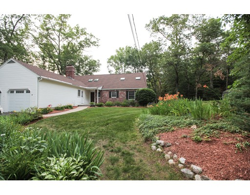 Single Family Home for Sale at 4 Acropolis Avenue Londonderry, New Hampshire 03053 United States