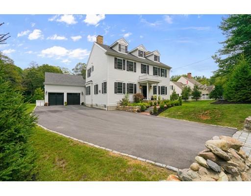 Частный односемейный дом для того Продажа на 10 Bradlee Road 10 Bradlee Road Milton, Массачусетс 02186 Соединенные Штаты