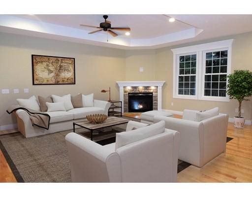 Частный односемейный дом для того Продажа на 23 Magnolia Ln, The Hickory 23 Magnolia Ln, The Hickory Belchertown, Массачусетс 01007 Соединенные Штаты