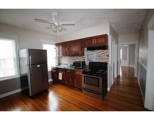 Casa Unifamiliar por un Alquiler en 41 John Street Attleboro, Massachusetts 02703 Estados Unidos