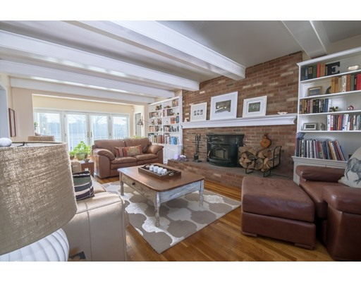 Single Family Home for Sale at 10 Locust 10 Locust South Hampton, New Hampshire 03827 United States