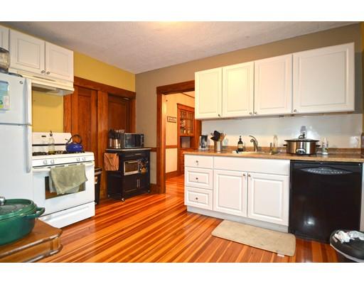 Частный односемейный дом для того Аренда на 25 Saint Peter Street 25 Saint Peter Street Boston, Массачусетс 02130 Соединенные Штаты