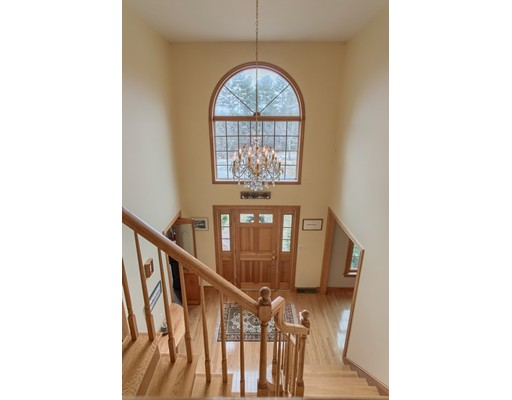 Picture 3 of 5 Starr Circle  Westford Ma 4 Bedroom Single Family