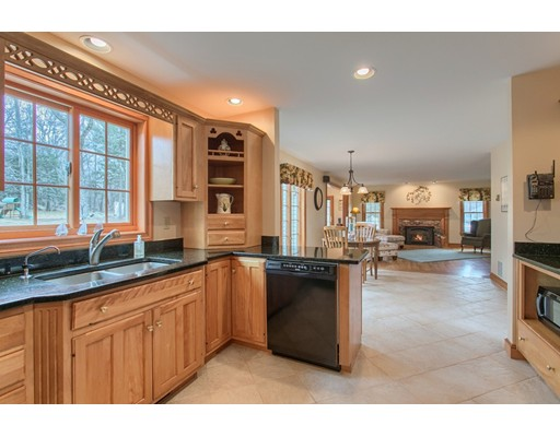 Picture 8 of 5 Starr Circle  Westford Ma 4 Bedroom Single Family