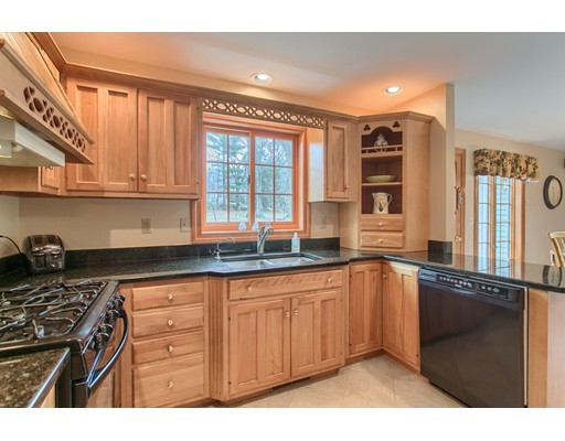 Picture 10 of 5 Starr Circle  Westford Ma 4 Bedroom Single Family