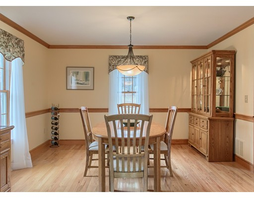 Picture 11 of 5 Starr Circle  Westford Ma 4 Bedroom Single Family