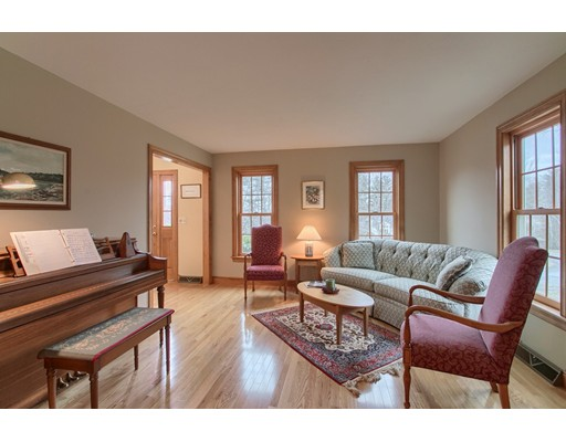 Picture 12 of 5 Starr Circle  Westford Ma 4 Bedroom Single Family