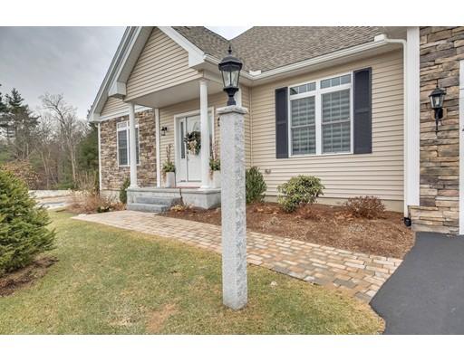 Additional photo for property listing at 2 Dunrobin Circle 2 Dunrobin Circle Methuen, Massachusetts 01844 United States