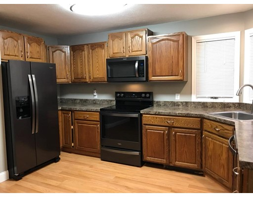 Condominium for Rent at 188 pine grove #188 188 pine grove #188 South Hadley, Massachusetts 01075 United States