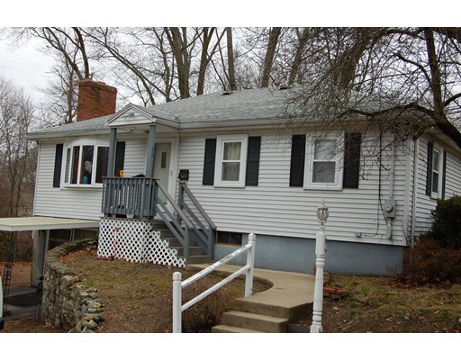 Maison unifamiliale pour l Vente à 95 Lawrence Street 95 Lawrence Street Canton, Massachusetts 02021 États-Unis