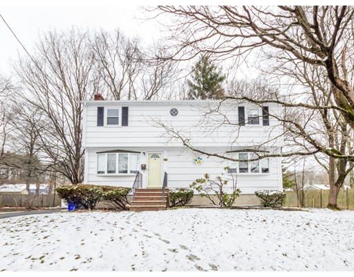 Single Family Home for Sale at 90 Huggins Road Rockland, Massachusetts 02370 United States