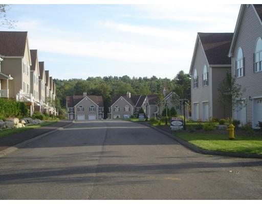 联栋屋 为 出租 在 Pinewood Dr #11B Pinewood Dr #11B Gardner, 马萨诸塞州 01440 美国