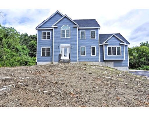 واحد منزل الأسرة للـ Sale في 1 Ammidon Road 1 Ammidon Road Mendon, Massachusetts 01756 United States