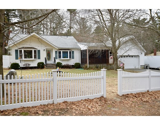 Single Family Home for Sale at 20 Bridge Street 20 Bridge Street Bridgewater, Massachusetts 02324 United States