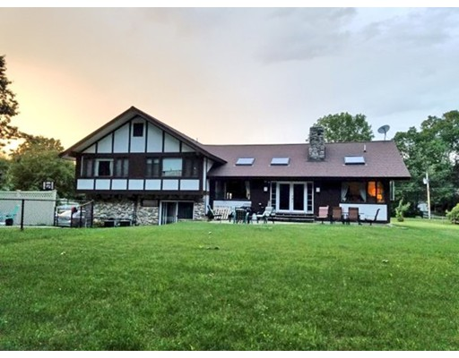 Single Family Home for Sale at 214 Oak Ridge Road 214 Oak Ridge Road Plaistow, New Hampshire 03865 United States