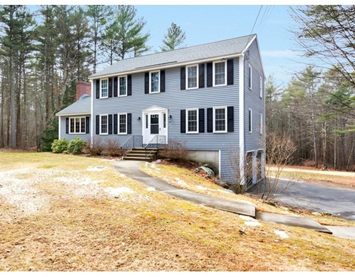 Single Family Home for Sale at 22 Lakin Street 22 Lakin Street Pepperell, Massachusetts 01463 United States