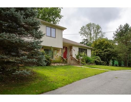 独户住宅 为 销售 在 90 Conley Avenue 90 Conley Avenue Cranston, 罗得岛 02921 美国