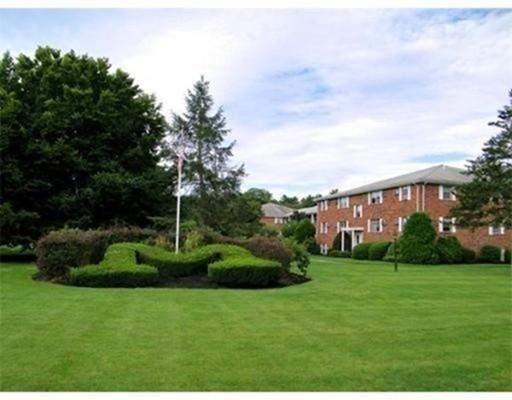 Condominium for Rent at 91 Plesant Street #B6 91 Plesant Street #B6 Medfield, Massachusetts 02052 United States