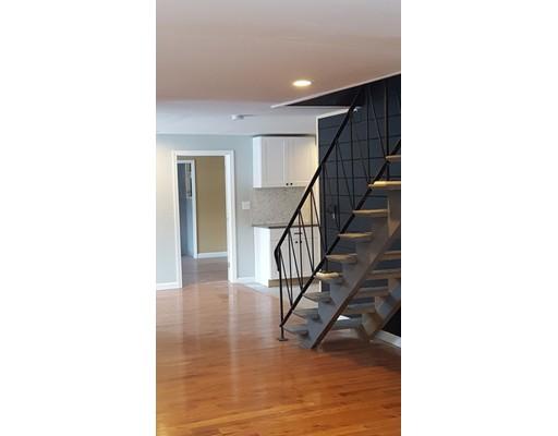 独户住宅 为 销售 在 252 Sully Road 布罗克顿, 02302 美国