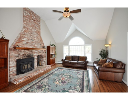 Single Family Home for Sale at 7 Dolan Drive 7 Dolan Drive Groton, Massachusetts 01450 United States