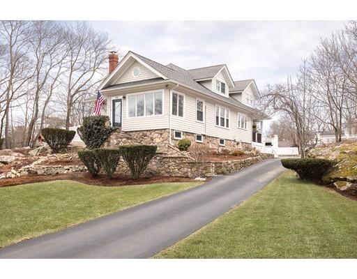 Maison unifamiliale pour l Vente à 85 Canterbury 85 Canterbury Hingham, Massachusetts 02043 États-Unis