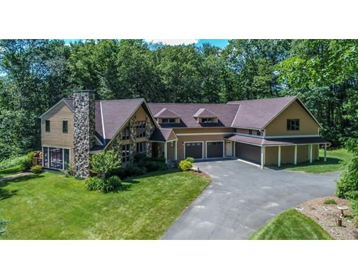 واحد منزل الأسرة للـ Sale في 1086 Brickyard Road 1086 Brickyard Road Athol, Massachusetts 01331 United States
