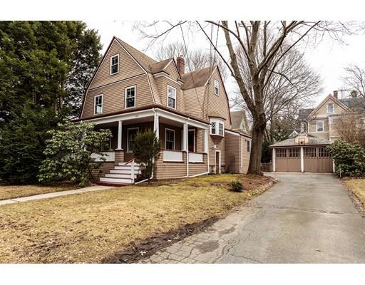 Частный односемейный дом для того Продажа на 135 School Street 135 School Street Belmont, Массачусетс 02478 Соединенные Штаты