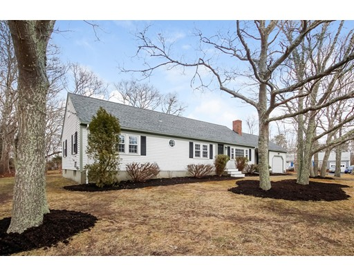 Casa Unifamiliar por un Venta en 160 Hokum Rock Road 160 Hokum Rock Road Dennis, Massachusetts 02638 Estados Unidos