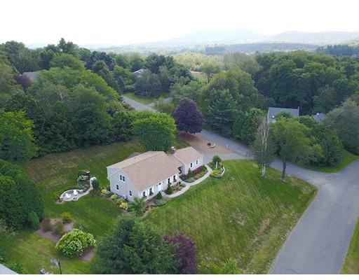 Single Family Home for Sale at 40 Blossom Lane 40 Blossom Lane Amherst, Massachusetts 01002 United States