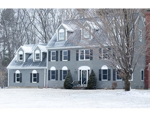 Single Family Home for Sale at 31 Knollwood Drive 31 Knollwood Drive Charlton, Massachusetts 01507 United States